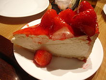 220px-Carnegie_Deli_Strawberry_Cheesecake